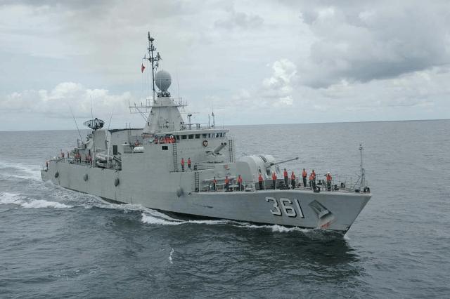 Kapal Perang Republik Indonesia (KRI) yang dilengkapi Radar sebagai pendeteksi objek musuh